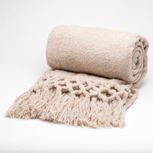 Throw~Maya Boucle