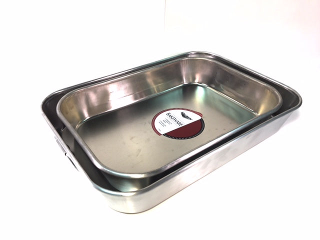 Lightweight Aluminum Pans With Handles, Available in 2 sizes. Please Select Size