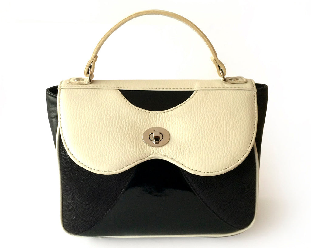 Onita Black & White Handbags Black / White [option2] quierojune