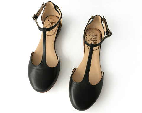 Sakura Black Flats > Sandals [option1] [option2] quierojune