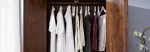 In the bedroom, the laundry room or the living room, wardrobes are essential to organize your clothes.