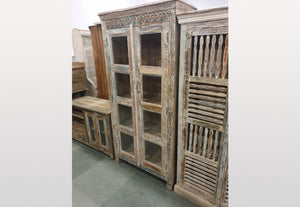 Antique glass cabinet with 2 doors - Kif-Kif Import
