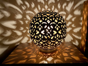 Matki round table lamp
