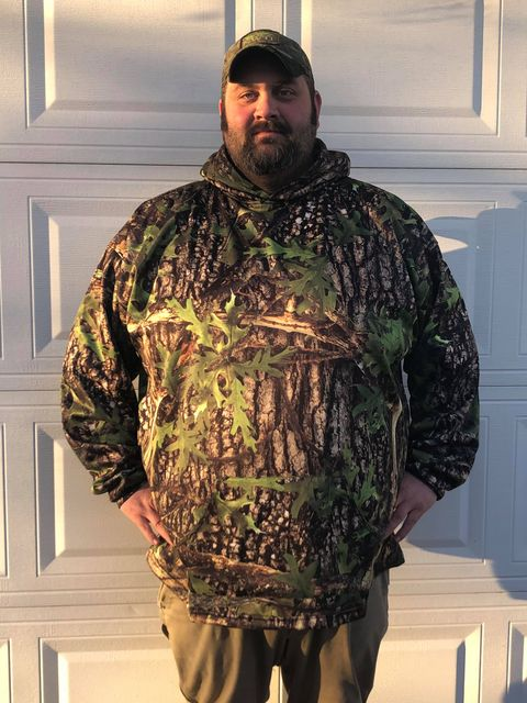 """Terin 6'3"""" - 390lbs prefers a 5XL Hide hoodie for the extra room, but has a few hoodies in 4XL"""