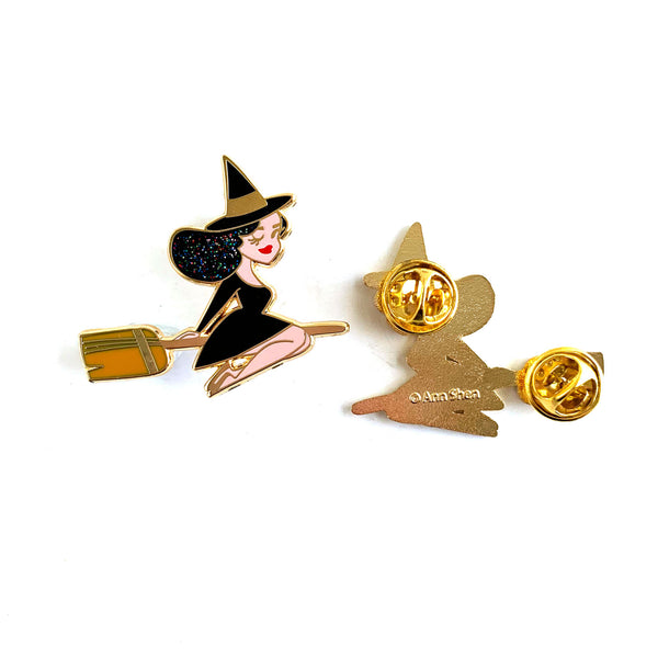 ENAMEL PIN – Best Witch in Black Glitter