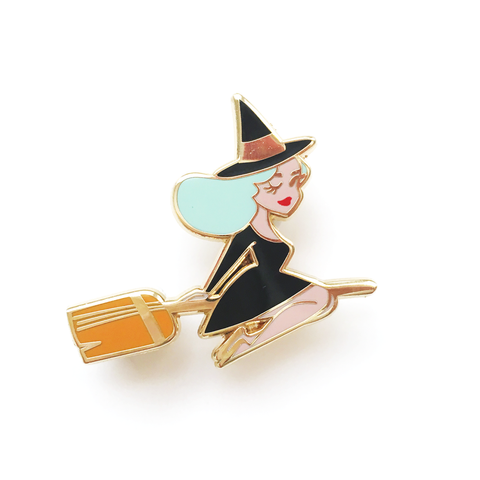 ENAMEL PIN – Best Witch in MINT