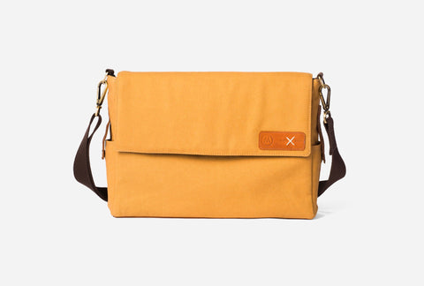 Messenger Bag by Enrou