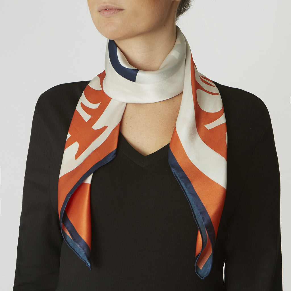 id peters insignia silk scarf Excellent Premium Quality.