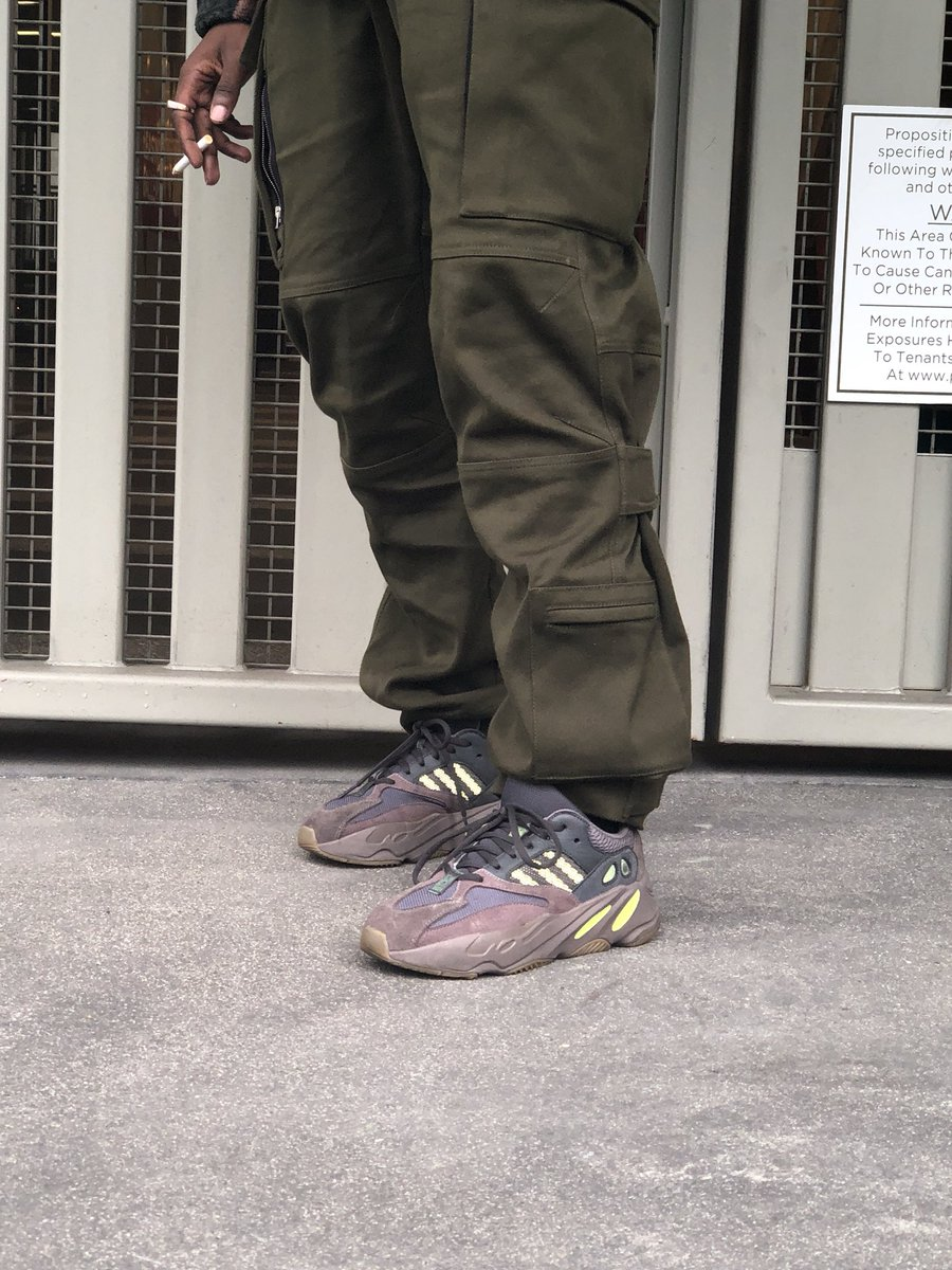 "e8a80668af582 ... Kanye West x Adidas Yeezy Runner Boost 700""Mauve"" - Low-Profile Store  ..."