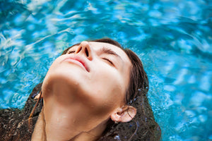 What is Float Therapy? (10 Benefits and More)