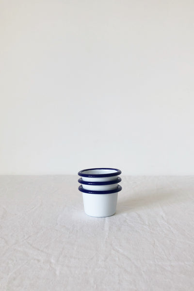 ENAMEL MINI RAMEKIN IN WHITE WITH BLUE RIM
