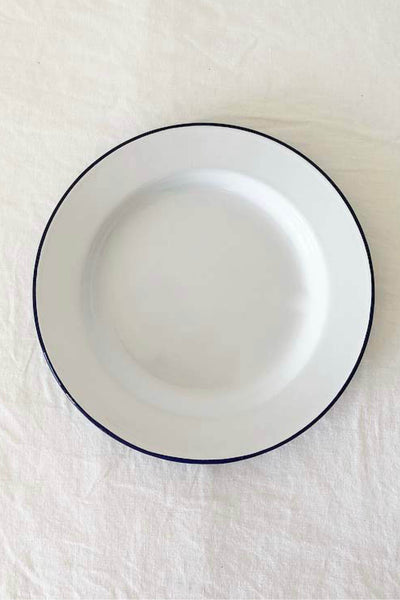 ENAMEL ENTREE PLATE IN WHITE WITH BLUE RIM
