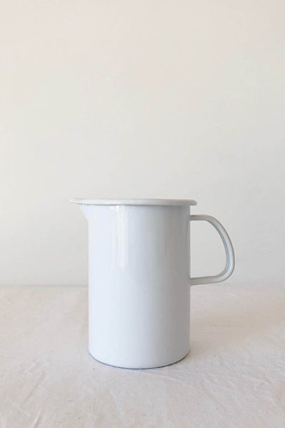 ENAMEL MEASURING JUG IN WHITE