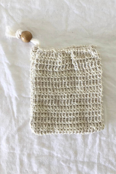 WOVEN LOOFAH EXFOLIATING SOAP SACK IN NATURAL