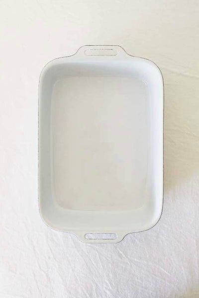 ENAMEL LASAGNE PAN IN WHITE