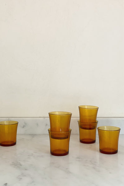 TABLE GLASSES IN AMBER