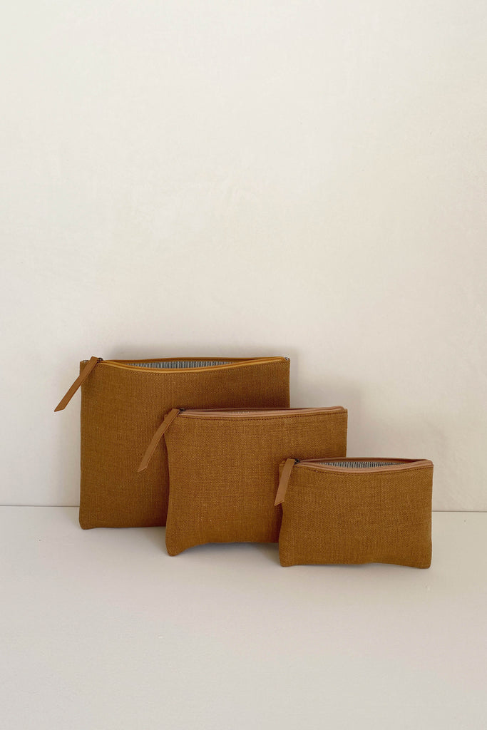 JUTE CANVAS POUCH IN CAMEL