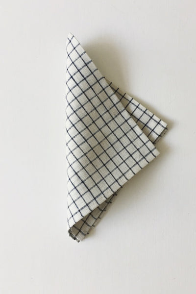 LINEN NAPKIN IN IVORY WITH NAVY PLAID