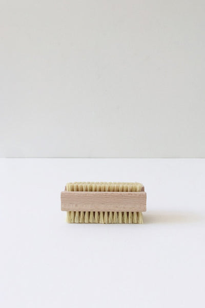 NATURAL FIBRE NAIL BRUSH