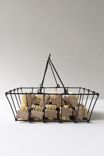 WIRE GROCERY BASKET - MEDIUM