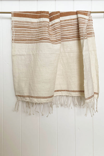 HAND LOOMED HAND TOWEL IN NATURAL/CLAY