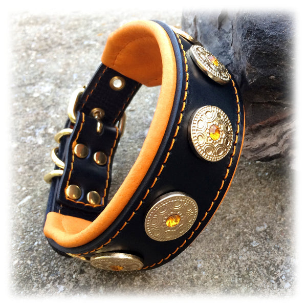 Bestia hand made leather dog collar