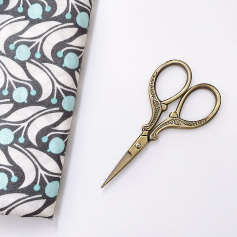 Antique Style Embroidery Scissors - Stainless Steel - 3.7 Inches - Vintage Gold
