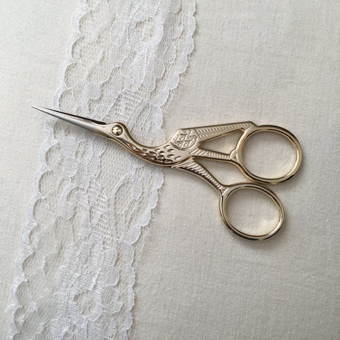 Antique Style Stork Embroidery Scissors - Stainless Steel - 3.5 Inches - Vintage Style Gold