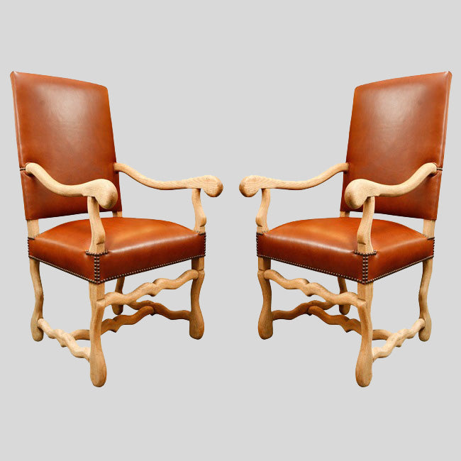 ARMCHAIRS IN LEATHER