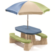 MESA DE JARDIN CON SOMBRILLA DE COLORES CLAROS / NATURALLY PLAYFUL PICNIC TABLE WITH UMBRELLA