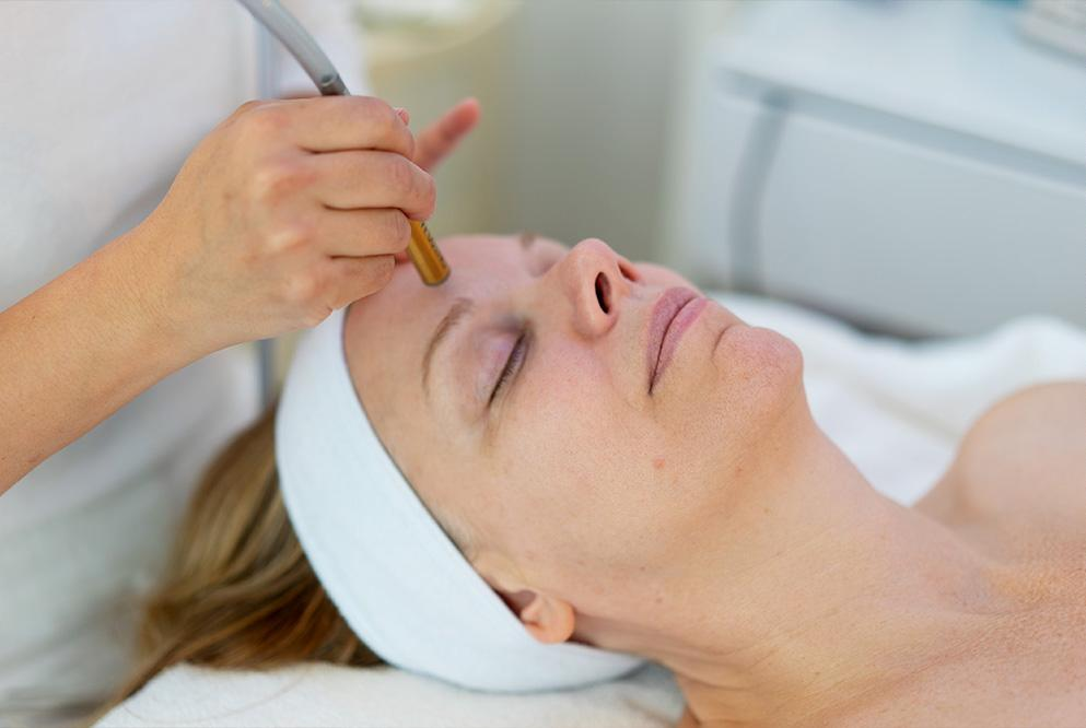 Diamond Microdermabrasion For Glowing, Even Skin