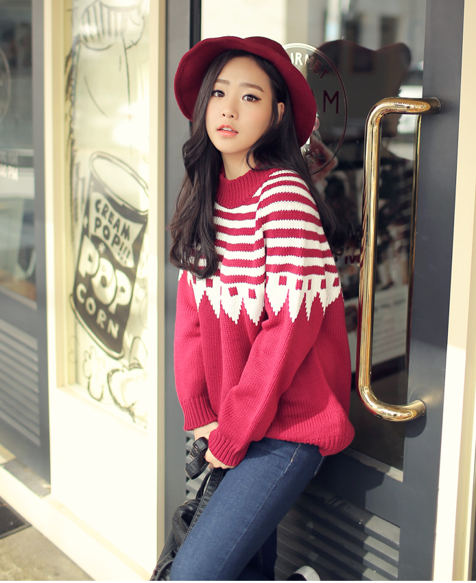 Red Sweater With Stripe K04