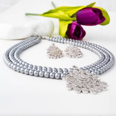 Midnight Beauty Swarovski Crystal and Grey Pearl Necklace Set