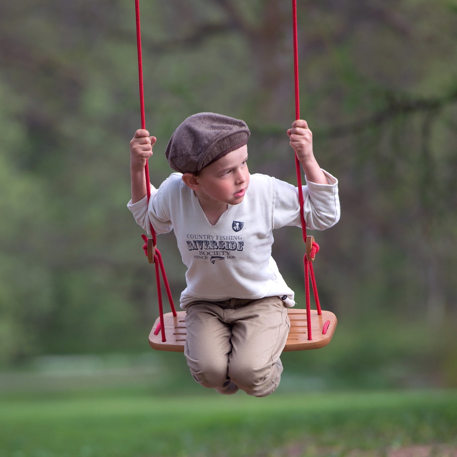 Lillagunga Classic children's swing in wood.