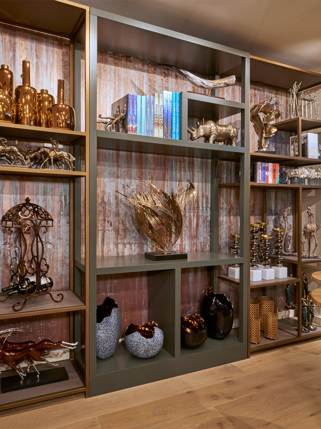 Retail Interior Design | Sculptures & Decorative Objects Display Unit | 5mm Design Home Accessories Shop | 5mm Design Store London