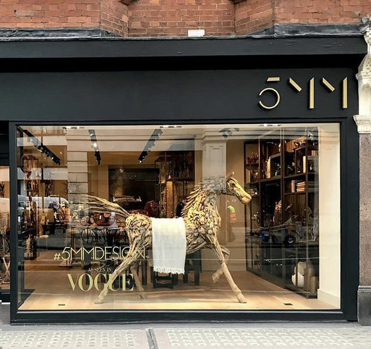 Giant Driftwood Horse - Retail Design Shop Window - 5mm Design Store London