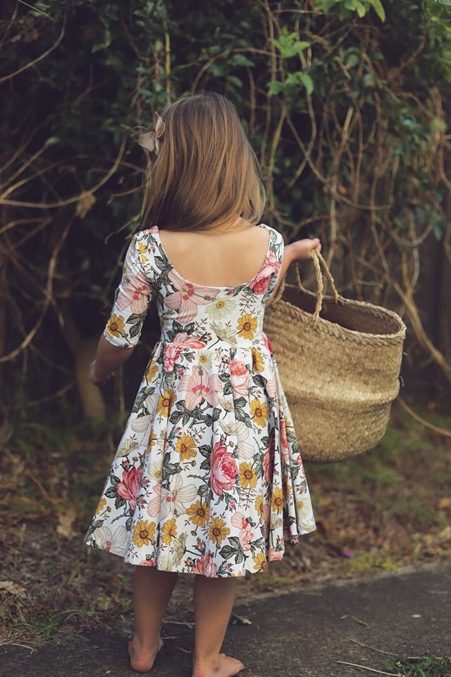 The Bella dress in Daisy