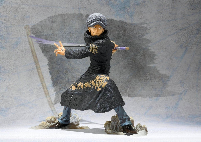 FIGURINE TRAFALGAR LAW ONE PIECE BATTLE VERSION ONE PIECE - LIVRAISON GRATUITE !