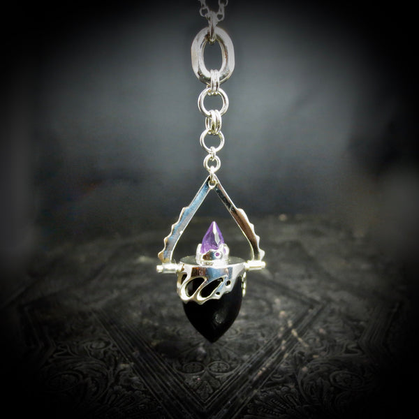 Beastiola pendulum, Amethyst and black onyx