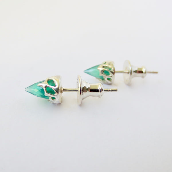 Silver chrysalis mini studs with green agate.