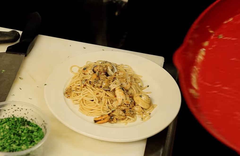 Restaurant Test: Spaghetti with Clams + Grilled Vegetables