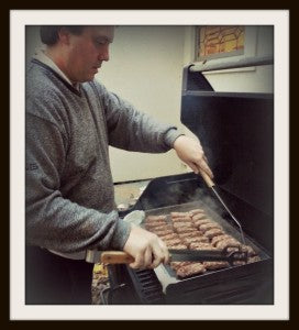 Check out our pal Stephon making Ćevapi kebabs from Detroit Eastern Market on his Sizzle-Q! These look amazing.