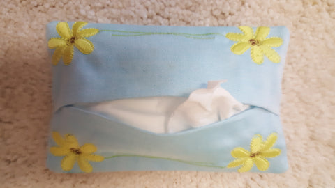 Tissue Holder with Daisies