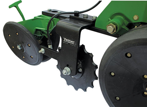 2968 Yetter Single Disc - Unit Mount in Between Fertilizer Opener