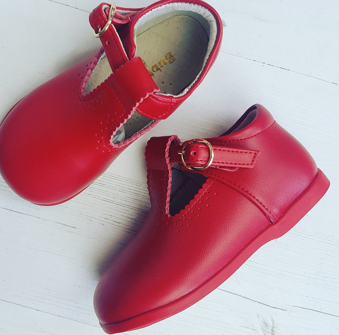 T bars Red boy girl unisex   2 3 4 4.5 5 & 6 EU 18 TO 23