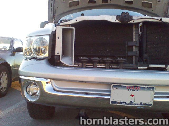 robert 39 s 2004 dodge ram 1500 regular cab train horn. Black Bedroom Furniture Sets. Home Design Ideas