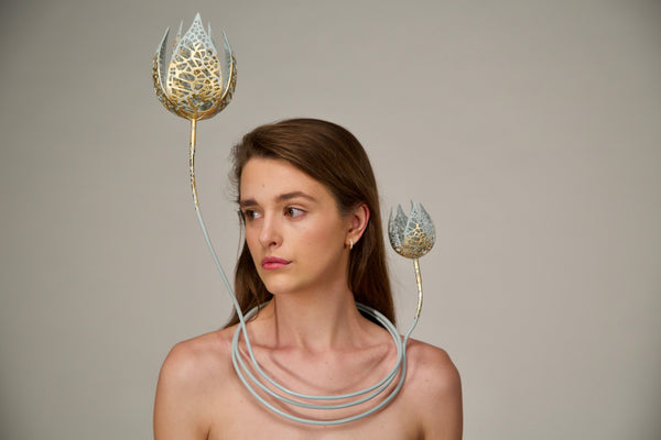 Adaptation Neckpiece