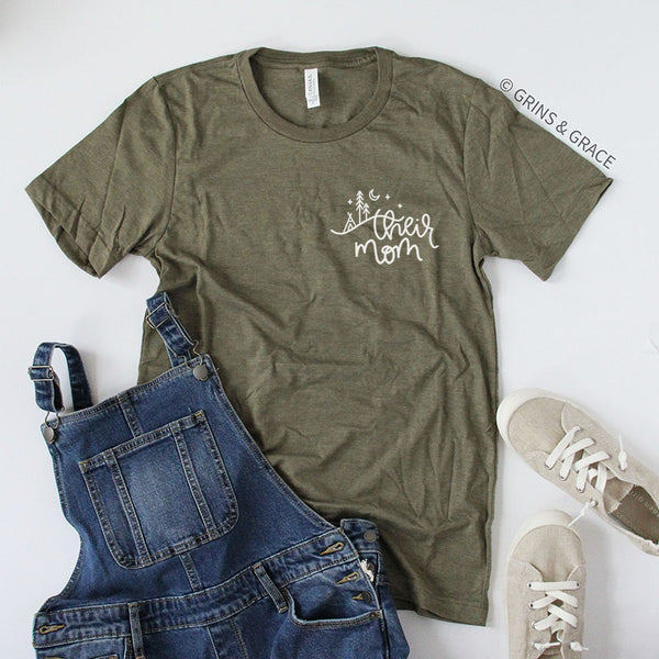 """THEIR MOM"" T-SHIRT IN DEEP GREY - Grins & Grace"