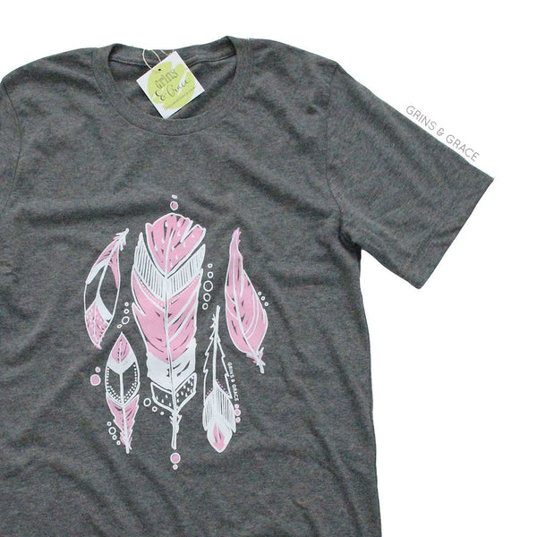 """PINK FEATHERS"" MOM T-SHIRT - Grins & Grace"
