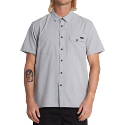 Billabong Surftrek Men's Button Up Short-Sleeve Shirts (USED LIKE NEW / LAST CALL SALE)